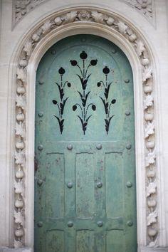 Such a beautiful door.