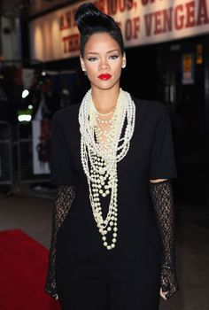 Rihanna Pearls For Tall People Lol Rihanna. RiRi #Rihanna, #Riri, #pinsland, https://apps.facebook.com/yangutu