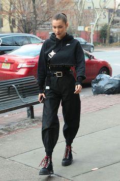 Outfits – People Style : le all black selon Bella Hadid Fashion Killa, Look Fashion, New Fashion, Trendy Fashion, Winter Fashion, Fashion Design, Fashion Trends, Fashion Ideas, Fashion Black