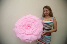 Crepe paper flowers look like natural flowers but last longer and won't wilt or droop. That's why they are very popular for party decorations. I have featured quite a few crepe paper flowers projects but this one is reallyspecial. It's a giant crepe paper flower! It will be an eye-catching …