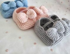 icu ~ Pin on Cool portraits ~ Hand knitted baby shoes. Baby Booties Knitting Pattern, Crochet Socks Pattern, Cute Baby Shoes, Crochet Baby Shoes, Baby Boots, Crochet Baby Booties, Crochet Slippers, Baby Knitting Patterns, Hand Knitting