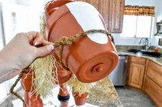 DIY Clay Horse Flower Pot Tutorial - Fun, Whimsical and great for Equestrians Clay Pot Projects, Clay Pot Crafts, Diy Clay, Diy Craft Projects, Fun Crafts, Horse Flowers, Diy Flowers, Flower Pot Crafts, Flower Pots