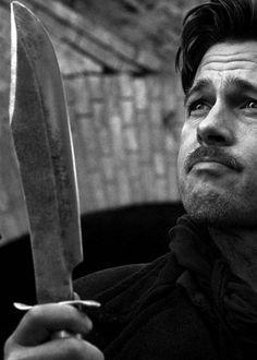 Pitt in Inglourious basterds,dir. Hans Landa, Brad Pitt, Christoph Waltz, Inglorious Bastards, What Makes A Man, Man Up, Film Serie, Guys Be Like, Quentin Tarantino