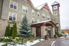 Escape the city for an authentic Calabogie Peaks experience with one of our hotel specials. Find the perfect special to make your trip memorable. Ottawa Hotels, Hotel Specials, Ontario, How To Memorize Things, House Styles