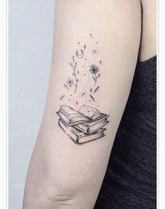 Cool Arm Tattoos, Upper Arm Tattoos, Best Sleeve Tattoos, Sleeve Tattoos For Women, Body Art Tattoos, Small Tattoos, Arm Tattoo Ideas, Simple Arm Tattoos, Tatoos
