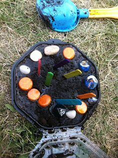 Maybe paint rocks for mud pies Sensory Diet, Sensory Play, Block Play, Mud Kitchen, Messy Play, Mud Pie, Get Outside, Asd, Poker Table