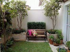 Como Organizar Tu Jardín De Forma Fácil.  Es posible organizar el jardín de forma sencilla y fácil para que puedas disfrutarlo al máximo. Aunque para muchas personas la organización de este espacio al aire libre es bastante complejo, ya que hay plantas, muebles, ... Ver más aquí: https://jardinespequenos.com/como-organizar-tu-jardin-de-forma-facil/