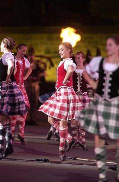 Highland Sword Dance, en masse