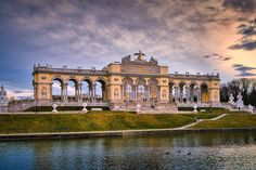 Wien is one of the 23 districts of the federal capital Vienna and geographically belongs to the landscape Baden- Gumpoldskirchener Gebiet in topography Nordöstliches Flach- und Hügelland . Vienna, Palace, Cake Decorating, Travelling, Louvre, Gardens, Building, Landscape, Summer