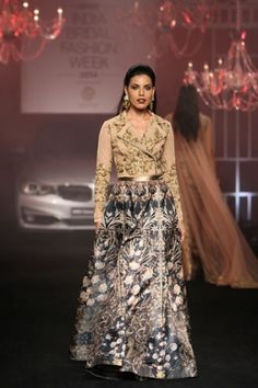 Falguni & Shane Peacock. IBFW 14'. Indian Couture.