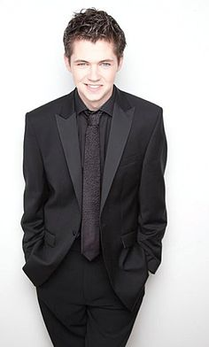 Damian McGinty, from Celtic Thunder and now Glee... I sorta really love him and his determination.