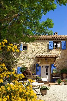 You Need To Add These Beautiful Places To Your Travel Bucket List Provence, Frankreich French Country House, French Farmhouse, Farmhouse Front, Farmhouse Decor, Beautiful Places In The World, Beautiful Homes, English Cottage, Stone Facade, Provence France
