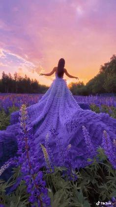 Romantic Nature, Beautiful Nature Scenes, Beautiful Gif, Beautiful Dresses, Nice Dresses, Moda Lolita, Fashion Model Poses, Aesthetic Photography Nature, Nature Gif