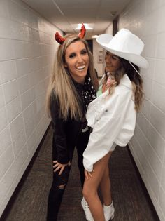 hot college halloween costumes College Costumes, Easy College Halloween Costumes, Halloween Party Costumes, Halloween Costumes For Kids, Costume Ideas, Halloween Ideas, Couple Halloween, Risky Business Costume, Best Couples Costumes