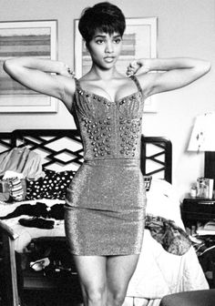 young Halle Berry!