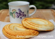 Pan de Queso (Colombian-Style Cheese Bread) ciasteczka z fetą My Colombian Recipes, Colombian Food, Gourmet Recipes, Bread Recipes, Smoked Bacon, Cheese Bread, Dried Tomatoes, World Recipes, Food Print