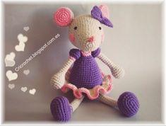Pretty Mouse - Free Amigurumi Pattern here: http://cricrochet.blogspot.com.es/search/label/Mouse%20pattern