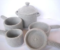 Crocheted cookware