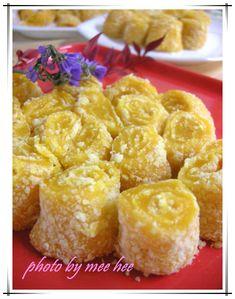 단호박 인절미 말이 Asian Desserts, Asian Recipes, Ethnic Recipes, Korean Dishes, Korean Food, Korean Rice Cake, Rice Cakes, Baby Food Recipes, Macaroni And Cheese