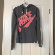 Nike sweatshirt Gray and pink Nike hoodie! Perfect condition, like new. Nike Tops Sweatshirts & Hoodies