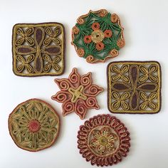Vintage Woven Straw Trivets | Set Of 6 Flower Floral Straw Trivets | Boho  Wall Decor | Kitchen Wall Decor | Hot Pads | Colorful Wall Art