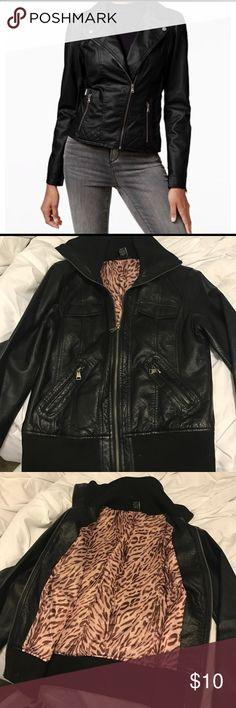 Black & print jacket Faux leather Zip up jacket Rue 21 Jackets & Coats