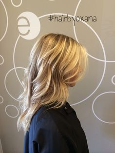 Balayage by @oxana_meade at @elementsalonnashville    long hair, balayage, blonde, medi blonde, hair color, ecaille hair, before and after, waves, wavy hair, curly hair