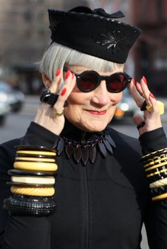 Advanced Style - ......VIDEO !   Confidence !