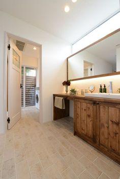 三郷_ランドリー Bathroom Toilets, Laundry In Bathroom, Washroom, Resort Interior, Room Interior, Toilette Design, Restroom Design, Fashion Room, House Rooms