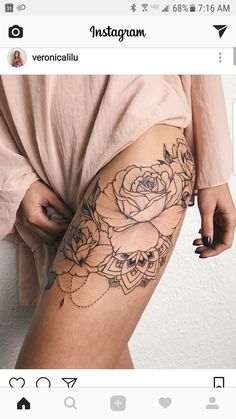 This but on the arm/shoulder • maybe with an triangle in it? #FlowerTattooDesigns #TattooDesignsArm