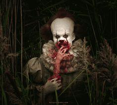 105 It Evil clown. Clown Horror, Arte Horror, Horror Art, Creepy Carnival, Creepy Clown, Pennywise The Dancing Clown, It Pennywise, Bill Skarsgard Pennywise, Horror Films