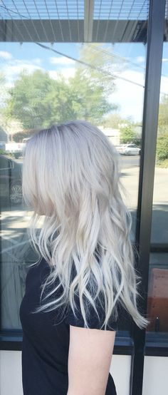 Ash Blonde, Silver hair, Grey Hair, Soft waves, Schwarkopf