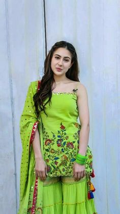 Sara Ali khan gorgeous actress in stylish outfit