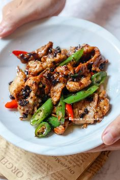 Quick and easy pork slice stir-fried with black bean sauce Grilled Chicken Recipes, Grilled Pork, Healthy Chicken Recipes, Pork Recipes, Asian Recipes, Chinese Recipes, Szechuan Recipes, Asian Foods, Sauce Recipes