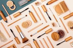 What's in your makeup? 💚 Bamboo - Elate sources bamboo that is water-treated and compostable, making it good for your products and the environment. Bamboo is also a renewable resource that requires minimal water to flourish. 💚 Aluminum - Did you know aluminum is infinitely recyclable? We use aluminum in all of our product pans, so once you're finished with your product, simply clean and recycle it! Eco Beauty, Brush Set, Flourish, Makeup Yourself, Makeup Brushes, The Balm, Bamboo, Minimal, Environment