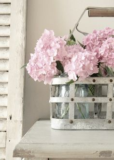 love this blog - so pretty - can't wait for spring