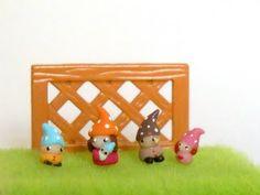 Tiny gnome family