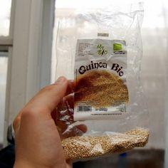 Quinoa: retete simple si rapide pentru micul dejul al copiilor. Plus cateva beneficii – Jurnal Bio Quinoa, Raw Vegan Recipes, Vegan Food, Health Diet, Oatmeal, Deserts, Dessert Recipes, Food And Drink, Breakfast