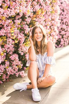 Spring senior photos are always a hit because San Diego locations are magical. Flowers bloom it's the perfect time for senior photos! Senior Picture Poses, Senior Photo Outfits, Graduation Picture Poses, Girl Photo Poses, Graduation Pictures, Pic Pose, Photo Shoot, Senior Portraits Girl, Senior Portrait Poses