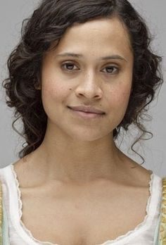 Rebecca Calico (Angel Coulby) I love her side smile! its so cute!