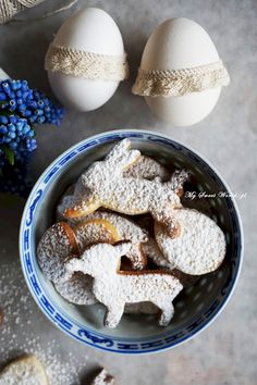 Easter Biscuits, Sweet Desserts, Cereal, Breakfast, Recipes, Morning Coffee, Breakfast Cereal, Corn Flakes