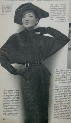 dress with batwing sleeves, Beatrijs 1951