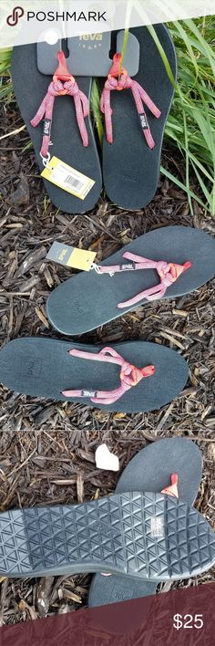 507c371e1e4c0 Teva flip flops Brand new with tags