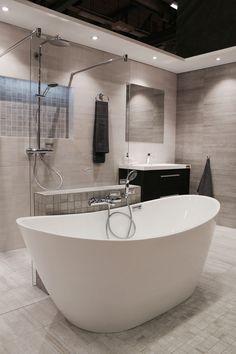 Megaflis Boligmesse 2015 Modern bathroom, freestanding bathtub, shower, Cemento Cassero