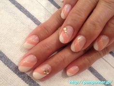 French nails orange and white diagonal    オレンジと白の斜めフレンチネイル