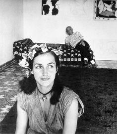 Robert Doisneau, Pablo Picasso et Francoise Gilot, 1952. Courtesy Musée National…
