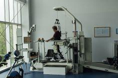 El Lokomat en el nuevo gimnasio del hospital nacional de parapléjicos