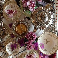 silver tea set, and china for tea! Vintage Dishes, Vintage Tea, Cute Tea Cups, Silver Tea Set, Buy Tea, Afternoon Tea Parties, Tea Art, Tea Recipes, High Tea