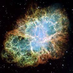Um dos objetos mais observados pelos astrônomos, amadores ou profissionais, é sem dúvida a Nebulosa do Caranguejo, formada dos restos de uma supernova e localizada a 6500 anos-luz na constelação de Touro. A nebulosa foi observada pela primeira vez em 1731 pelo astrônomo John Bev e tem um diâmetro de 11 anos-luz, que se expande a 1500 quilômetros por segundo.