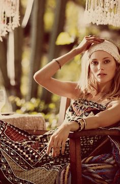 Wonderful holiday style - sporting that headband in sun-kissed skin and aztec print dresses!